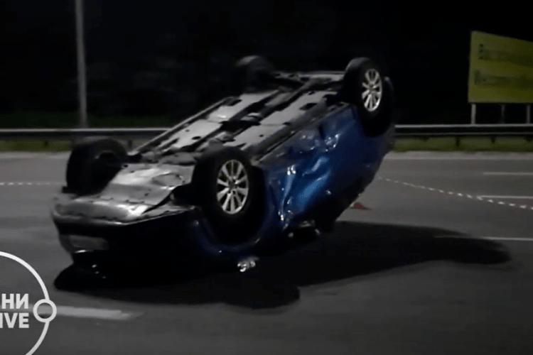 70 метрів пролетів на даху: авто протаранило легковик із цілою сім'єю (Відео)