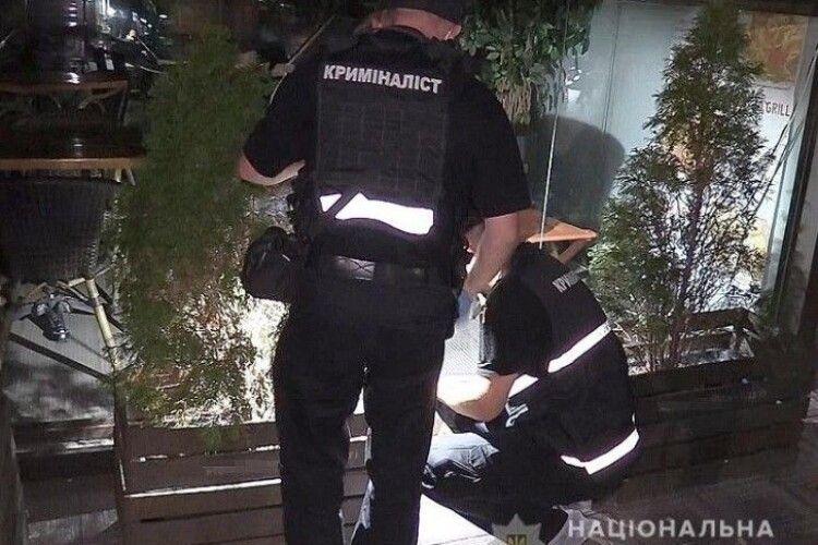 Невідомий із вогнепальної зброї стріляв у студентів