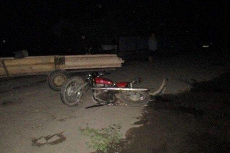 На Волині мотоцикліст врізався у підводу і потрапив у реанімацію