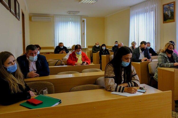 У Нововолинську питання щодо дистанційного навчання поставлять руба з понеділка
