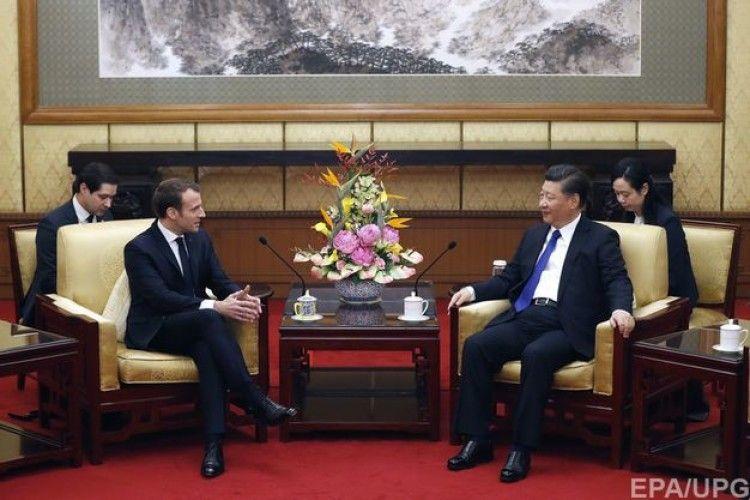 Президент Франції подарував лідеру Китаю коня