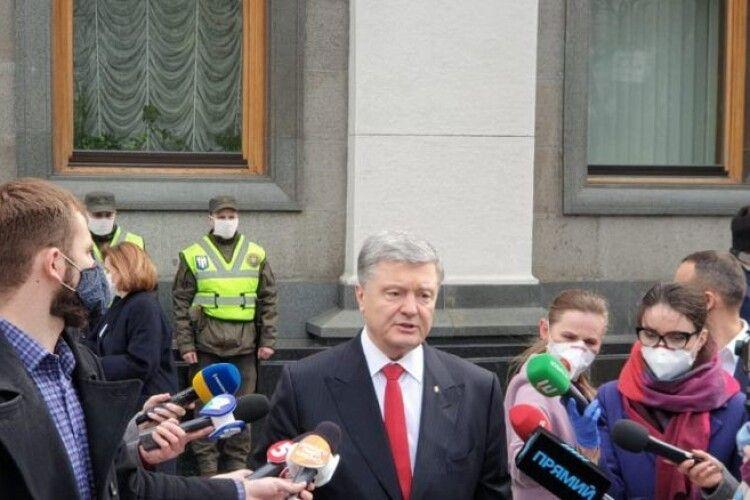 Петро Порошенко привітав журналістів: правда – єдина надійна зброя для протидії гібридній війні