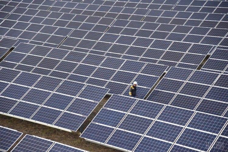 Вчені створили рідину, здатну акумулювати сонячну енергію і зберігати тривалий час