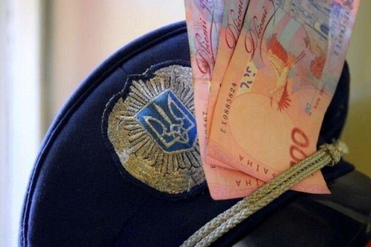 Молодий волинянин, який порушив ПДР, хотів відкупитись від поліцейських