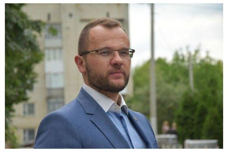Застарілі і непривабливі: мер пообіцяв радикально зменшити в Луцьку кількість білбордів
