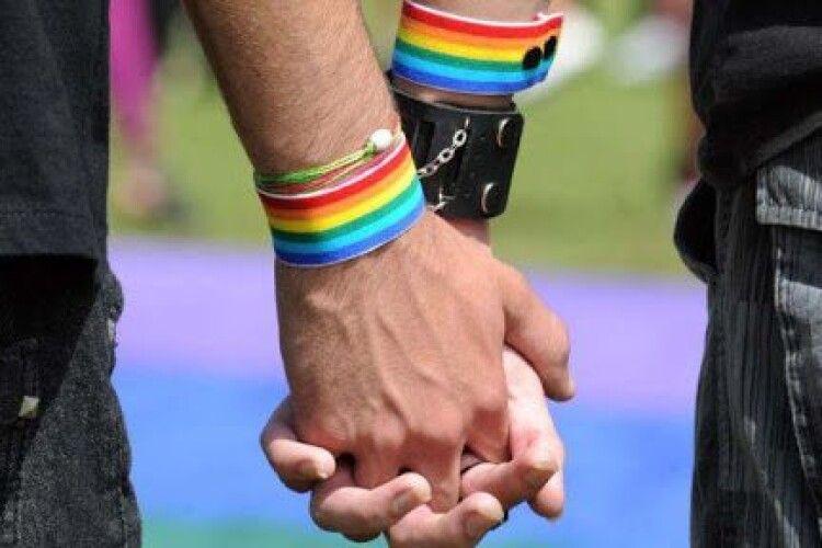 Німеччина виплатить компенсації геям-військовослужбовцям, яких вигнали з армії у 1955–2000 роках