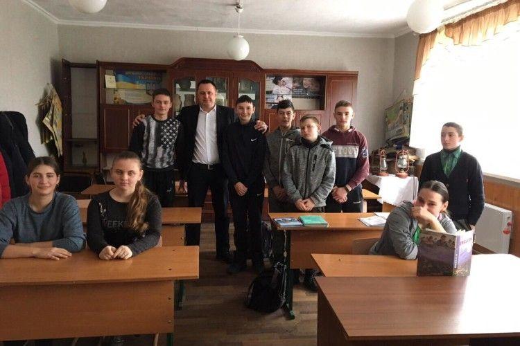 Волинський прокурор поїхав у село до підлітків