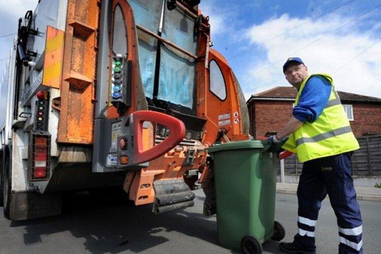 У громаді на Волині  роз'яснюють, що за вивезення сміття треба платити