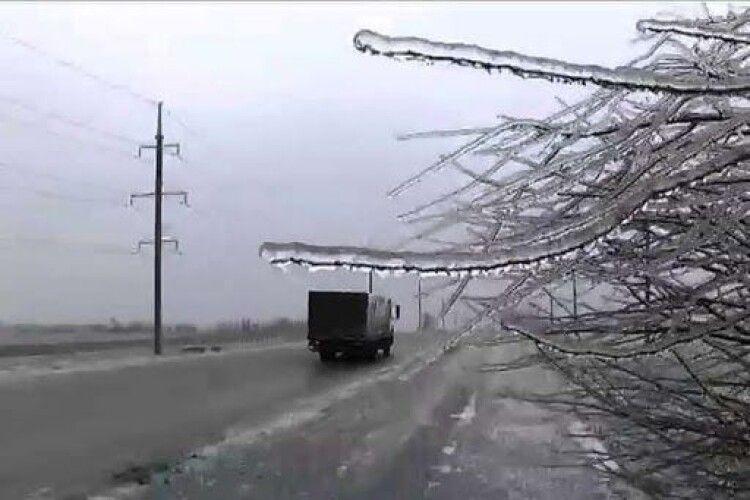 Волинян попередили про ожеледицю на дорогах 7 січня