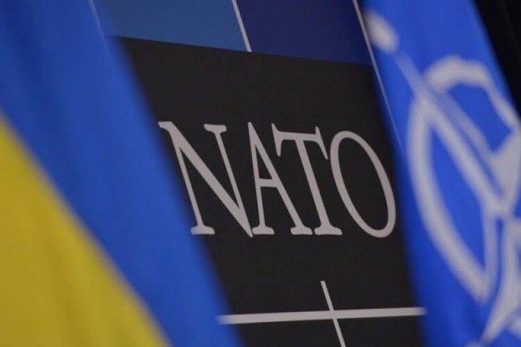 На захід НАТО запросили міністра оборони України, ким би він не був