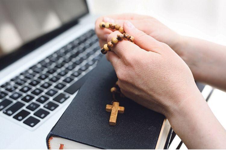 Чи можна отримати відпущення гріхів через інтернет?