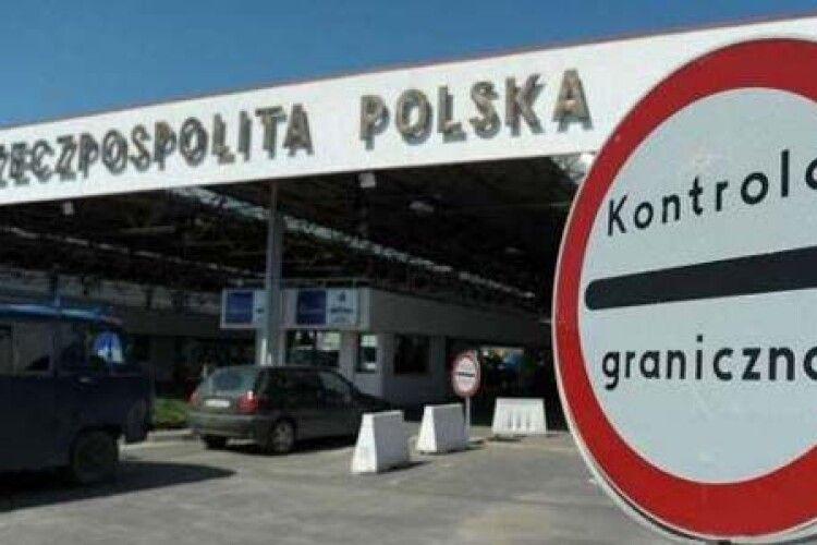 Польща буде вакцинувати заробітчан з України просто на кордоні