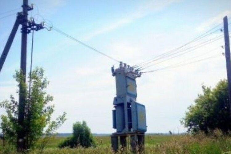 На Горохівщині не можуть зловити зловмисника, який зливає оливу з трансформаторів