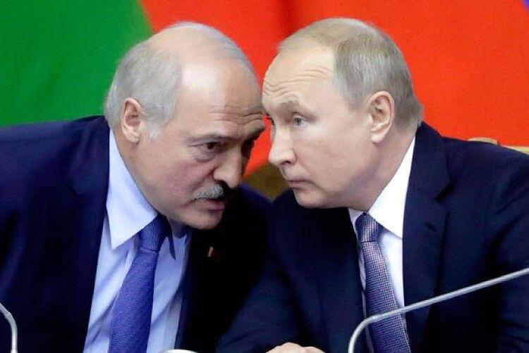 Дізнавшись про телефонну розмову Байдена із Зеленським, Путін так рознервувався, що подзвонив Лукашенку