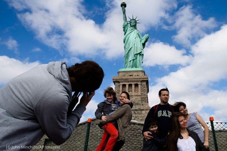 Повна свобода: вакцинованим американцям дозволили вільно подорожувати по країні