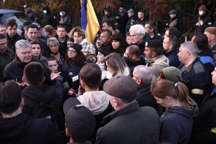 Зеленський став на рейки Антимайдану і намагається приховати свої злочини – Петро Порошенко