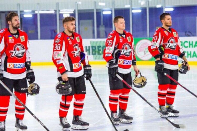 Хокей: Донбас зумів відіграти три шайби у матчі Ліги чемпіонів