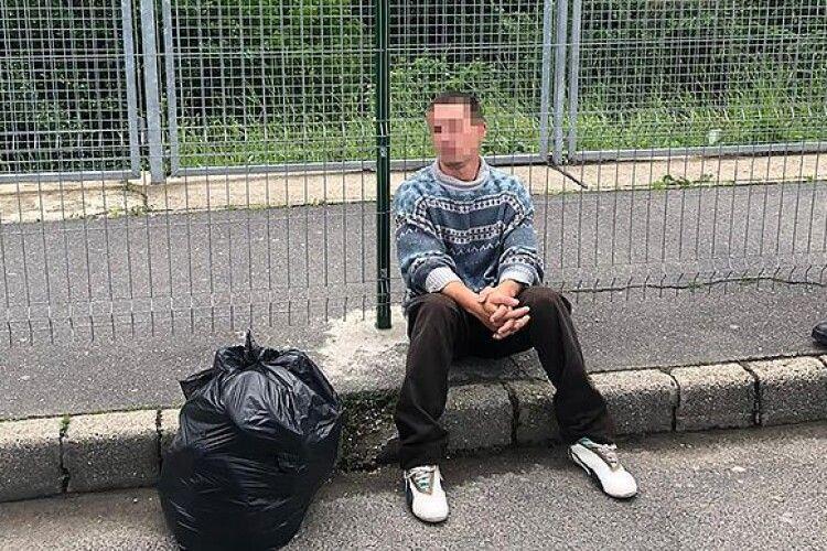 Українця, який стрибнув з мосту в Тису на Закарпатті, «зловили» вже в Угорщині
