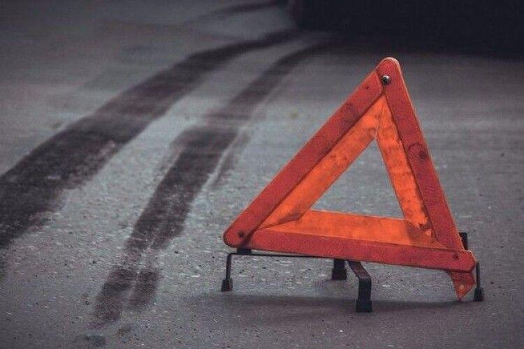 У Луцьку сталася подвійна ДТП за участю таксі (Фото)