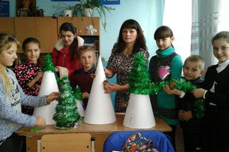 Ветлівські та мукошинські школярі взялися за збереження та порятунок хвойних дерев