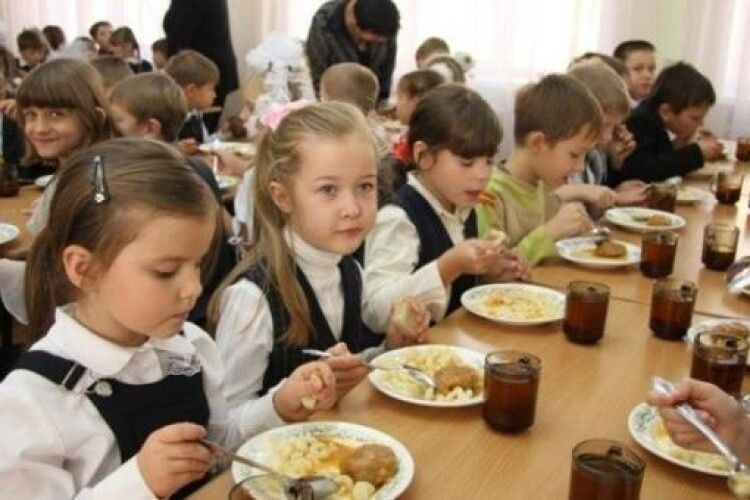 У Вараші запускають мультипрофільне харчування учнів