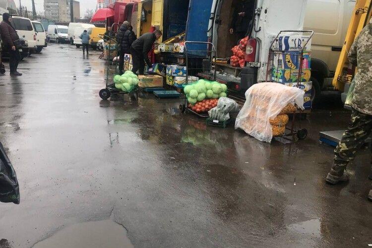 Кого із «Варшавського» ринку в Луцьку хочуть переселити на Новий