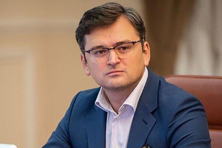 Глава МЗС Кулеба висловив стурбованість поширенням антизахідної риторики