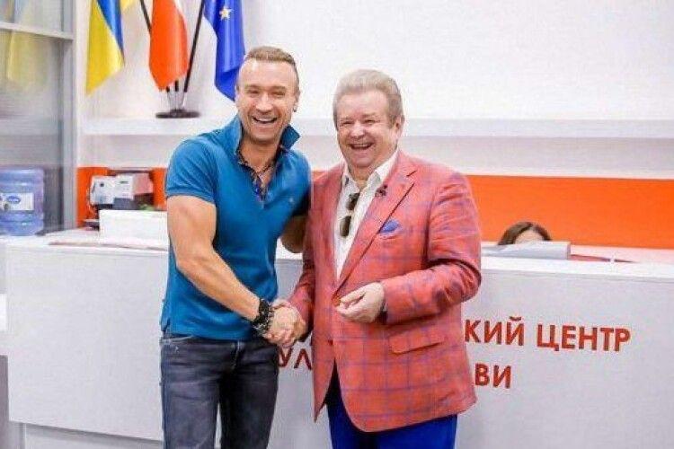 Тепер Михайло Поплавський співатиме разом із Олегом Винником