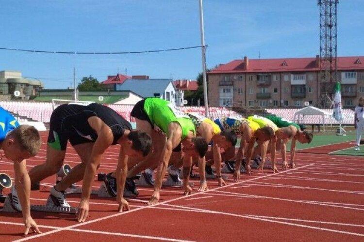 Чемпіонат України з легкої атлетики серед дорослих стартував у Луцьку