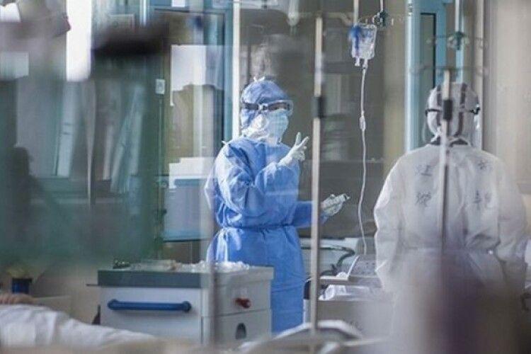 На Маневиччині хворі на коронавірус гуляли на весіллі