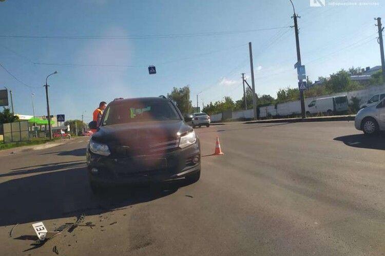 У Луцьку знову ДТП: інцидент трапився в районі вулиць Дубнівської та Глушець (Фото)