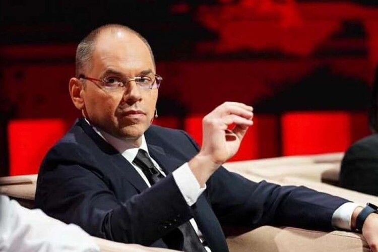 Степанов відреагував на скандал навколо вакцини AstraZeneca: «Вакцинував маму й тата»