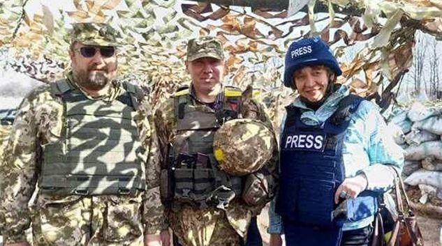 Сергій Кисельов, Олександр Бухтатий і Наталія Калініченко вже не один раз бували на передовій. Фото з особистої сторінки Наталії КАЛІНІЧЕНКО.