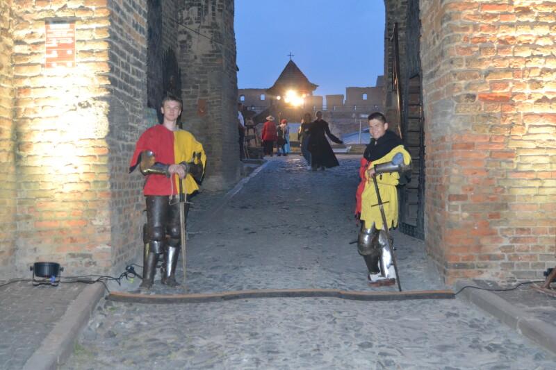 Охороняти середньовічний замок у XXI столітті – робота нескладна.
