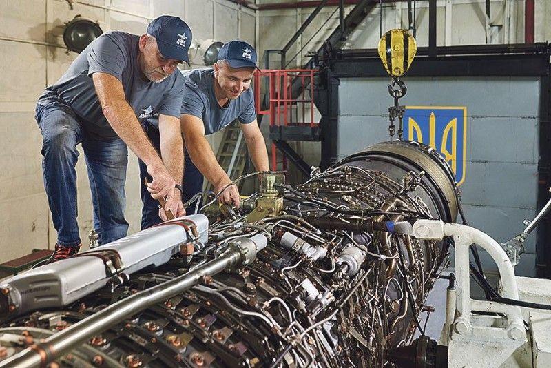Двигун літака складається з 27 тисяч деталей.