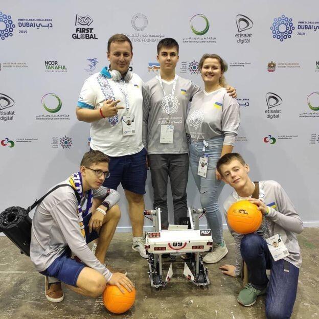 Українська команда зі своїм тренером