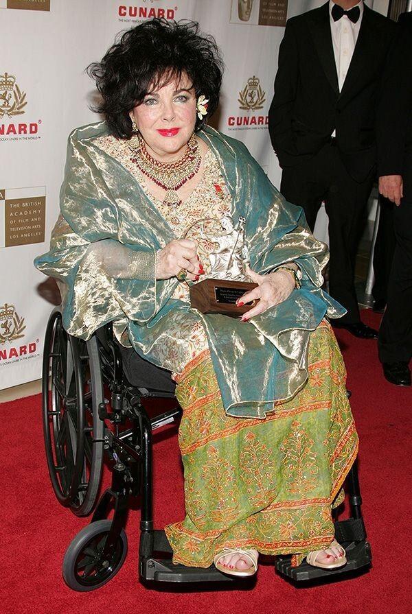 І в поважному віці місіс Тейлор багатьох заряджала оптимізмом. Померла вона 79-річною.