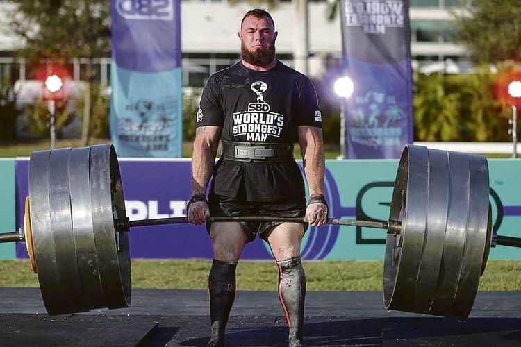 «У фінал на останню вагу вийшло чотири спортсмени. Троє не подужали штанги –  потягнув тільки я і встановив новий світовий рекорд», – пригадує стронгмен.