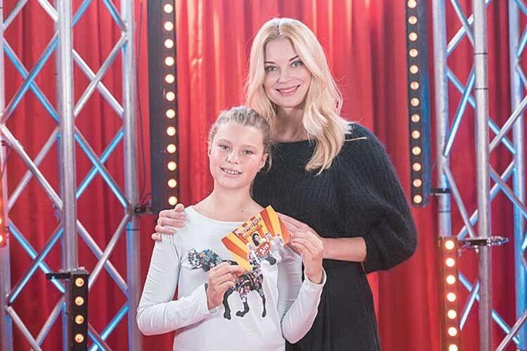 Нещодавно  мамина помічниця виграла в шоу «Розсміши коміка» аж 50 тисяч гривень!