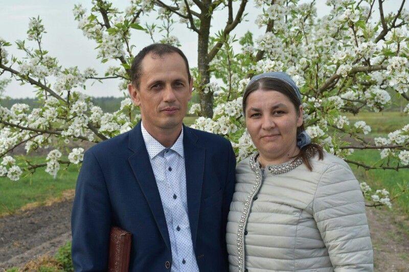 Цьогорічна весна – сімнадцята у подружньому житті Матвійчуків – запам'ятається щедрим цвітом груші.