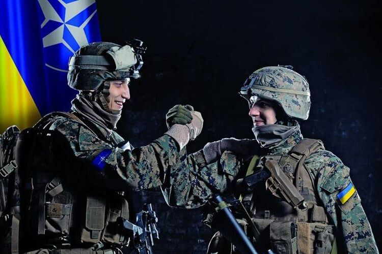 «НАТО: або зараз достукаємось, або втратимо шанс на багато років».