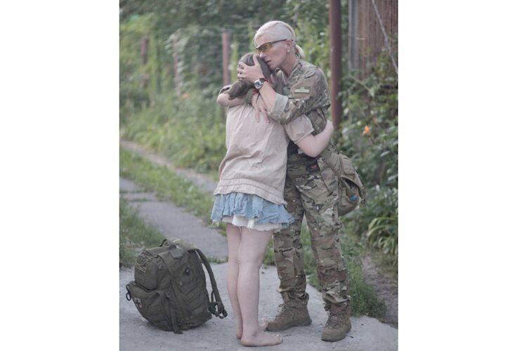 Найбільше щастя: мама повернулася з війни.