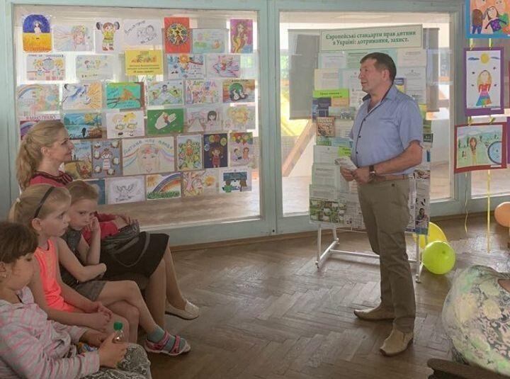 Основна мета проведення таких зустрічей — це привернути увагу до проблем дітей.