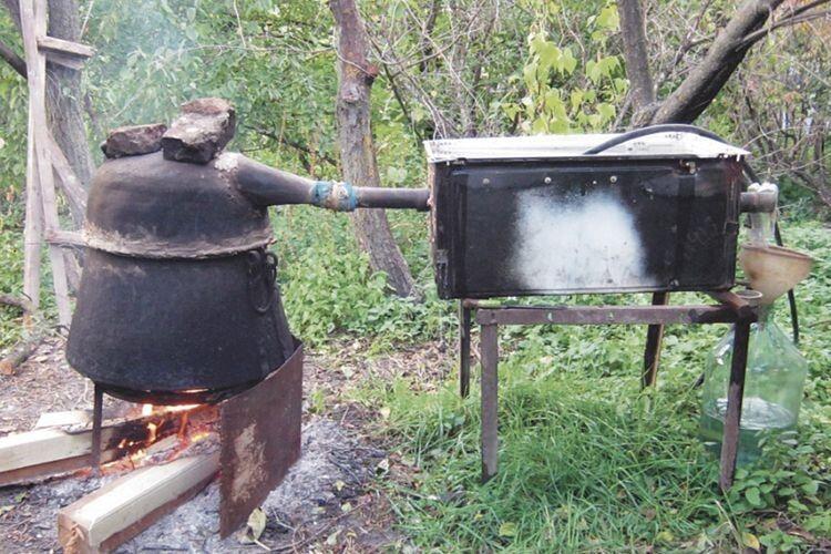 Такі агрегати зазвичай ставили у безлюдних місцях у лісовій гущавині.