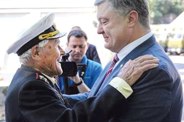 Із Петром Порошенком Іван Залужний зустрічався кілька разів.