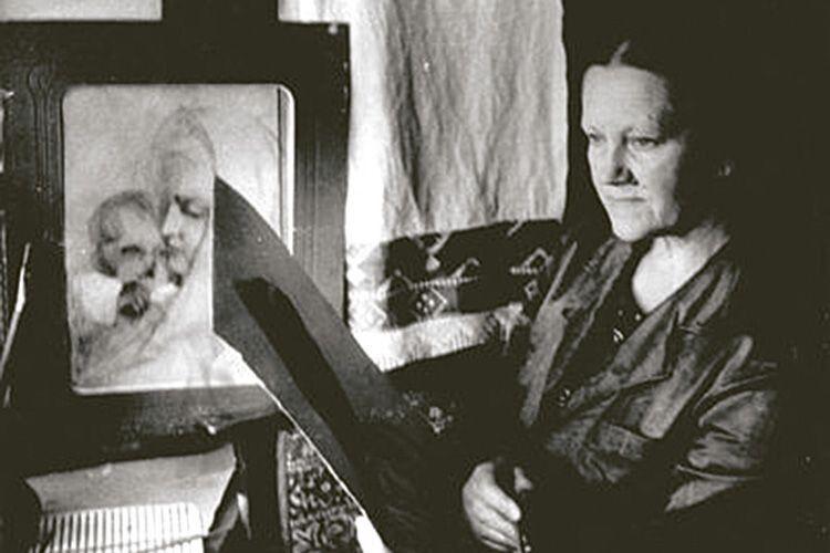 Що б не малювала художниця — портрет  чи букет квітів — у кожному творі відчувається професіоналізм митця.