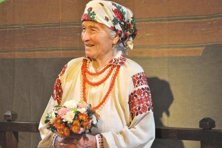 У свої 84 Домініка Никифорівна знає більше 150 старовинних пісень.