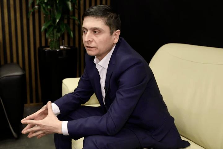 Двійник Володимира Зеленського Умід Ісабаєв.