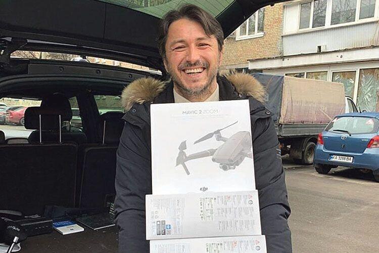 Своєю багаторічною волонтерською діяльністю Сергій Притула заслужив в українців довір'я, про яке політики можуть тільки мріяти.