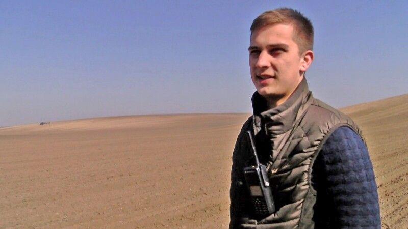 Олександр Шумський змалечкузбатьком уполі.